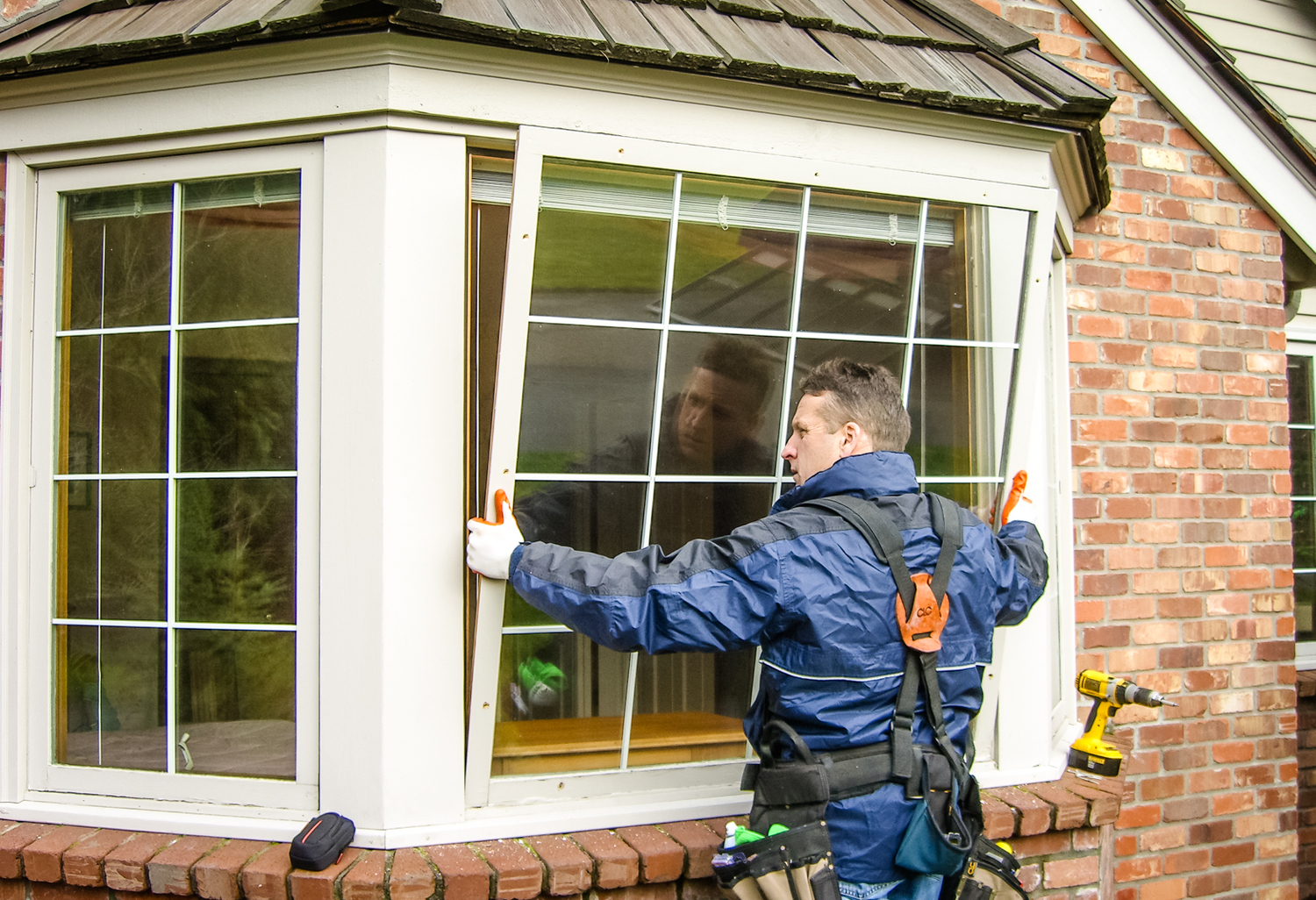 REPUTABLE Window and Screen Repair Business