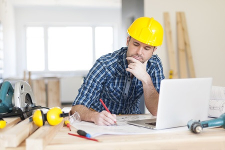 finding a contractor on social media