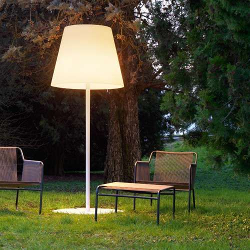 outdoor oversize floor lamp