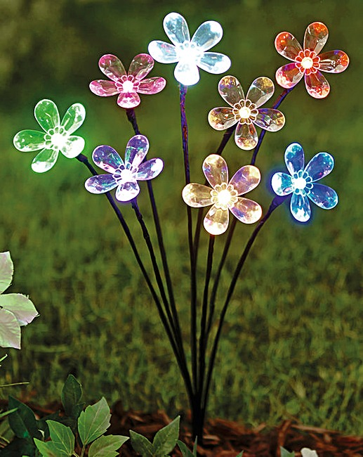 Marquee flower solar garden light