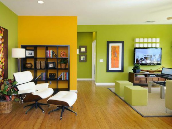 green and yellow accent wall