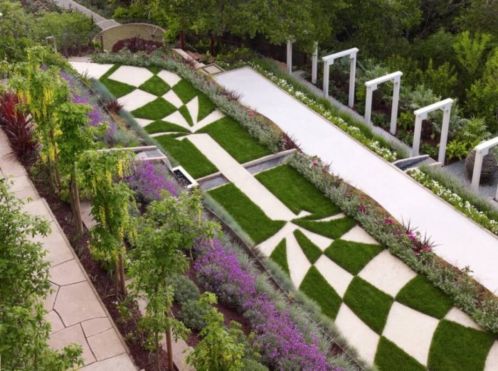 Geometric Designs with Ground Cover